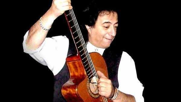 Gold Coast based guitarist extraordinaire Joe Phillips is the special guest at this Sunday's Suburban Country concert at the Grafton District Services Club. Joe plays a variety of styles from Latin American, Rhythm and Blues, Ballads, Jazz, Rock-n-Roll, Country and Classics and can sing in a number of different languages.