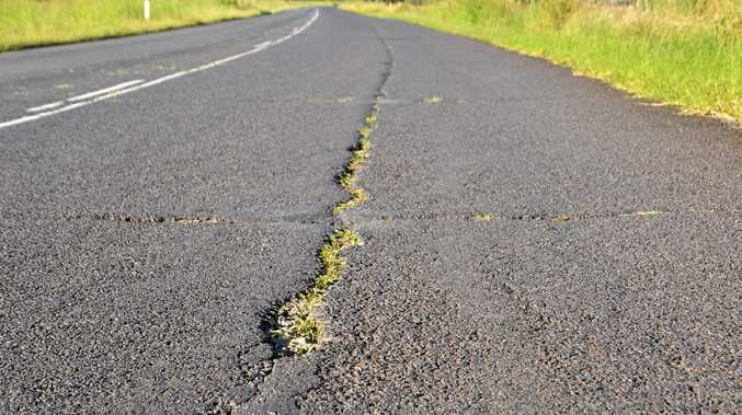 Wyrallah Road on the way to Woodburn has a few grassy issues.