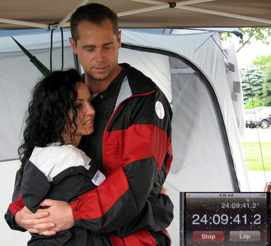 This pair hold the record for the longest hug - 24 hours, 33 minutes. Mother's Day gift idea?