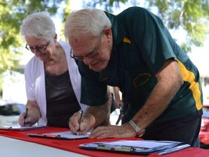 Labor rallies to stop 'attacks' on Medicare