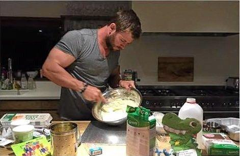 Hollywood actor Chris Hemsworth baking a cake for his daughter India.