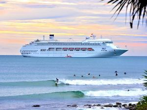 Pacific Jewel drops anchor off Mooloolaba