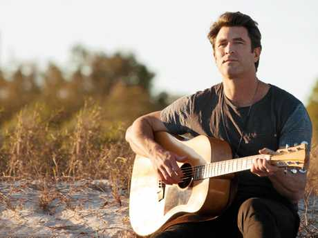 Pete Murray will hit the road this spring on an extensive national 'Yours Acoustically' Tour.  Photo Contributed