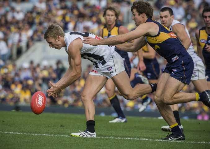 Josh Smith in action against the West Coast. Photo: AAP Image.