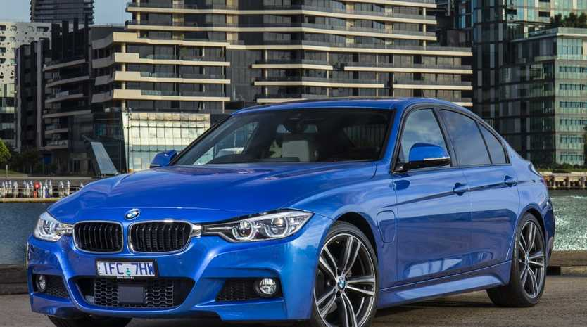 Bmw 330e Plug In Hybrid Road Test And Review