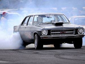 Drag racers to hit Casino strip on Sunday