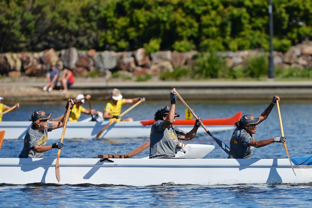 OUTRIGGING: Va'a World Sprints. Master 70 Womens - V6 500. Lake Kawana.