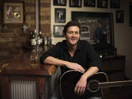 Highly acclaimed country music star Adam Harvey presents his national tour following the hugely successful release of