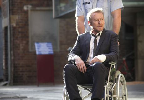 Richard Roxburgh in a scene from season four of Rake.