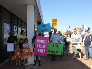 Mackay protest pushes for better Barrier Reef protection