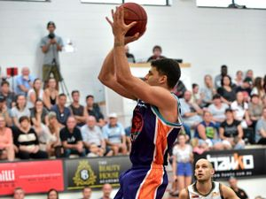 McAlister emerges as key man for unbeaten Phoenix Clippers