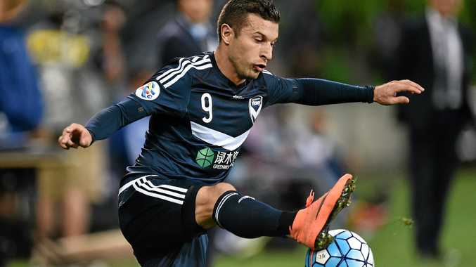 Kosta Barbarouses will play his last game for Melbourne Victory tonight.