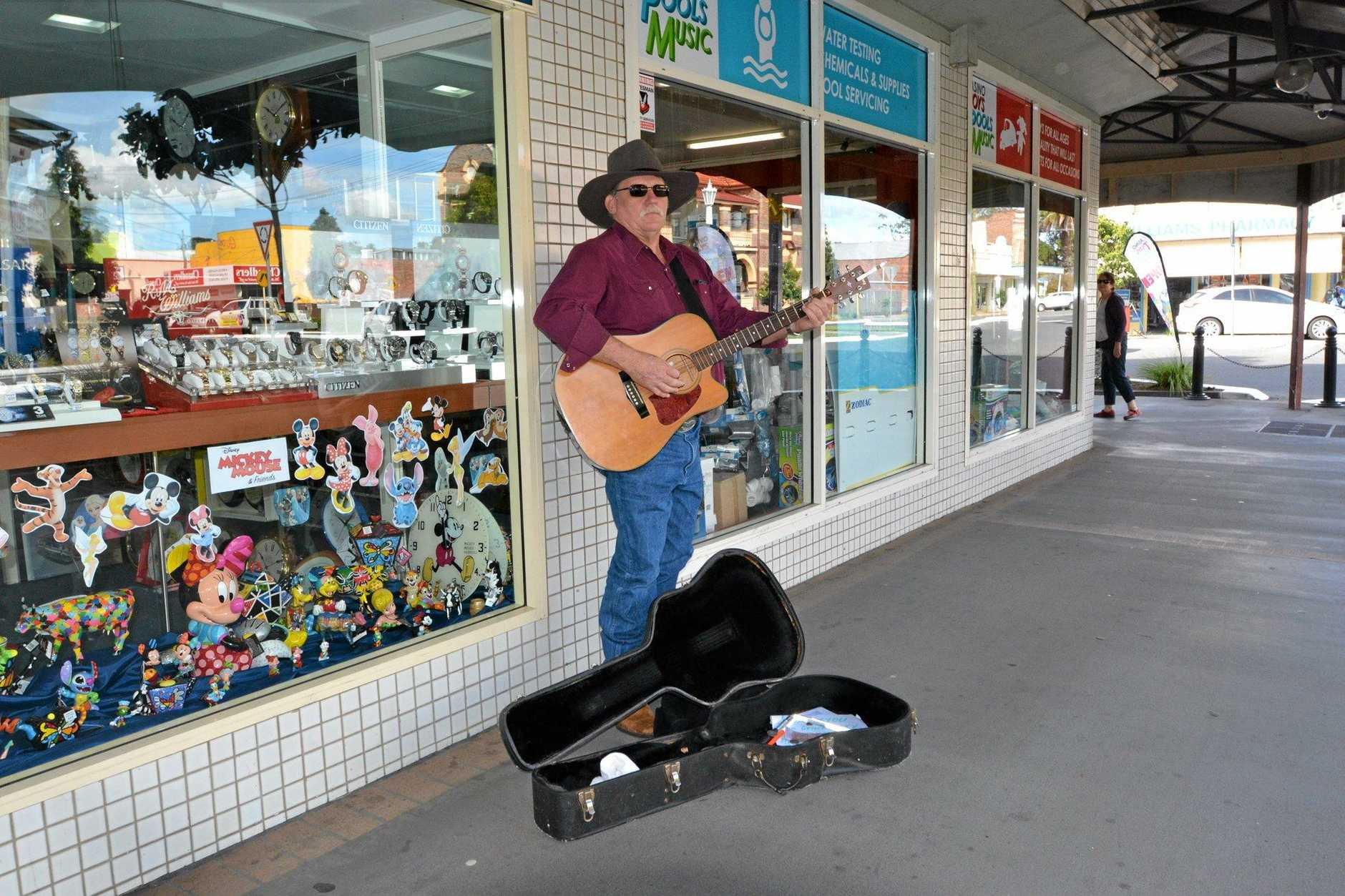 Mark Scofield in the Beef Week Busking Competition  Photo Samantha Elley / Express Examiner