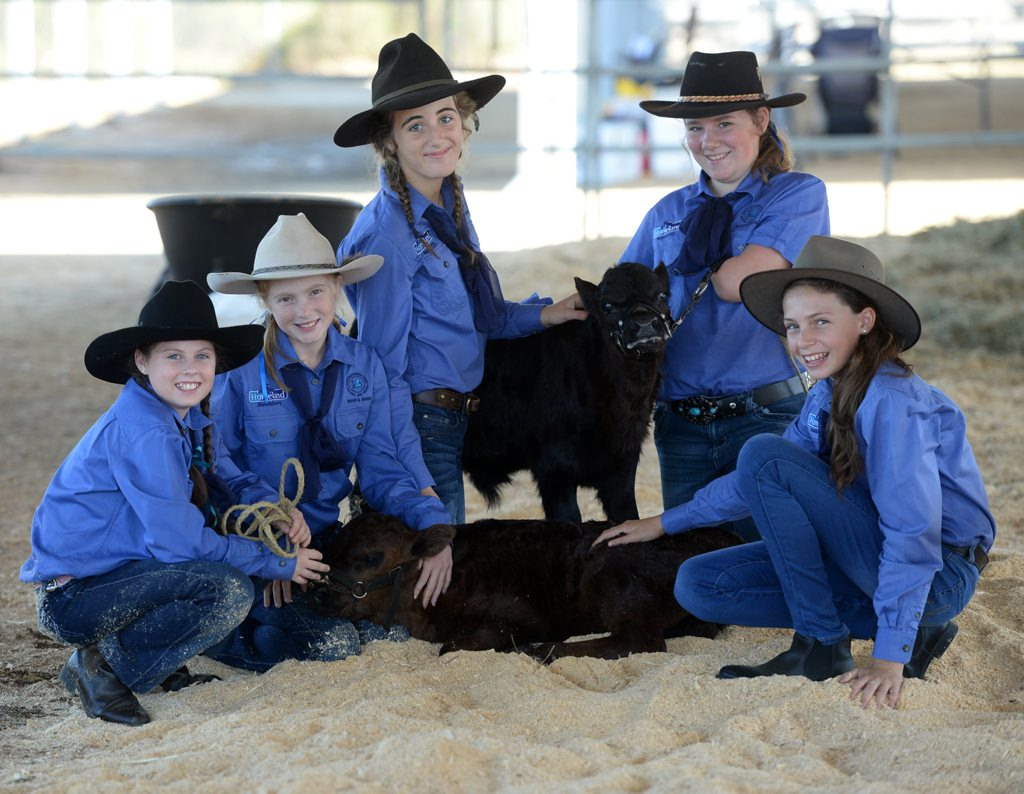 SHOW DAY: Sienna Jacobsen, Jordan Sganzerla, Aleisha Scott, Avah Murdoch and Cyra Greville at the Bundaberg Show. Photo: Mike Knott / NewsMail