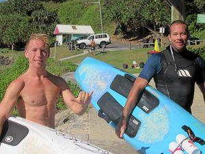 Pair paddles 60km to highlight depression