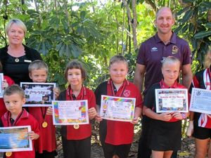 Broncos' legend talks to young winners