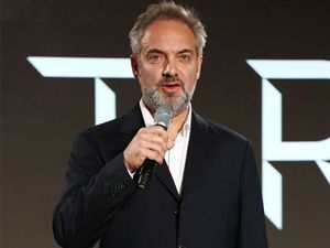 Sam Mendes quits Bond franchise