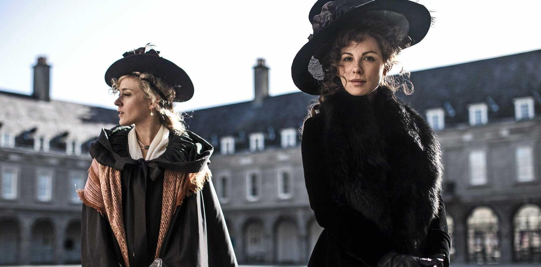 Kate Beckinsale and Chloe Sevigny star in the movie Love & Friendship.