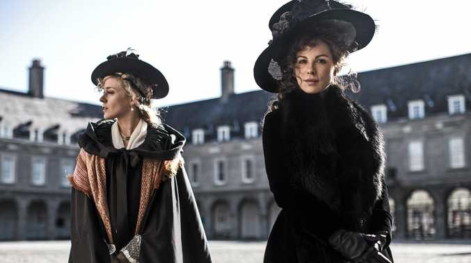 Kate Beckinsale and Chloe Sevigny star in the movie Love & Friendship.