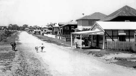 Residences and shops along River Esplanade, Mooloolaba, ca 1935.