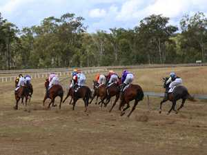 Eidsvold Races draws a fashionable crowd