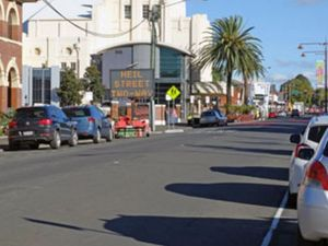 Council reveals when all of Neil St will be two way traffic