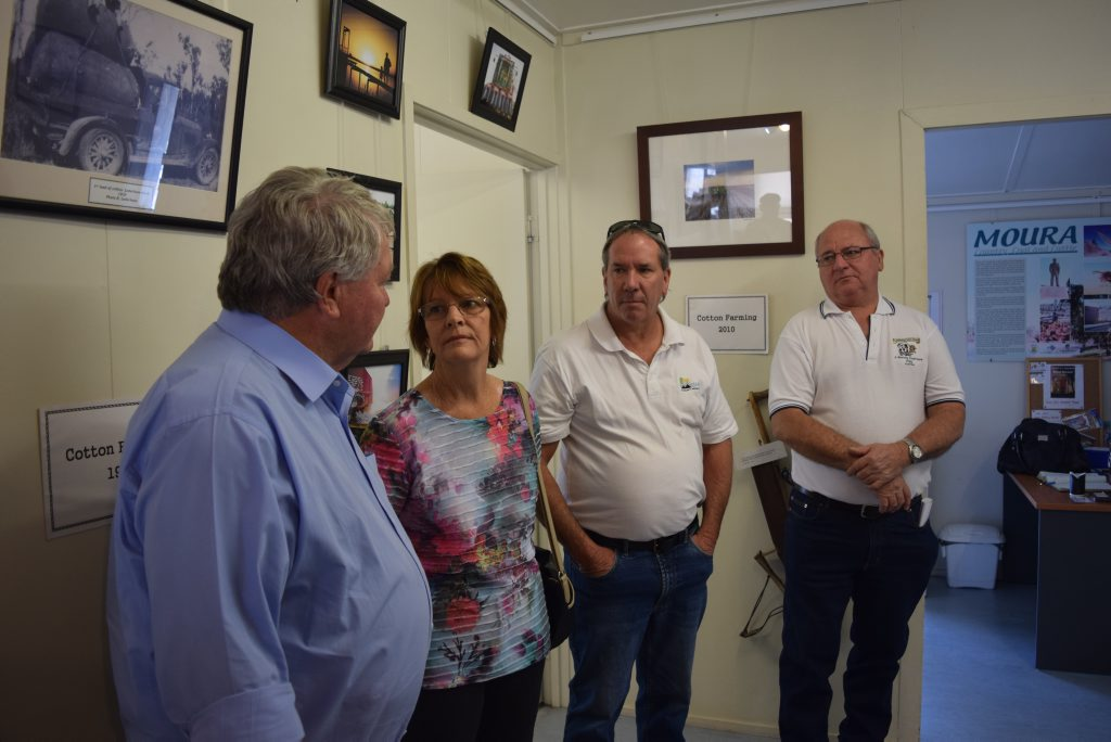 Flynn MP Ken O'Dowd (left) chats with Moura residents (from left) Kris Jones, John Walker and Charlie Seeney. Photo Andrew Thorpe / Central Telegraph