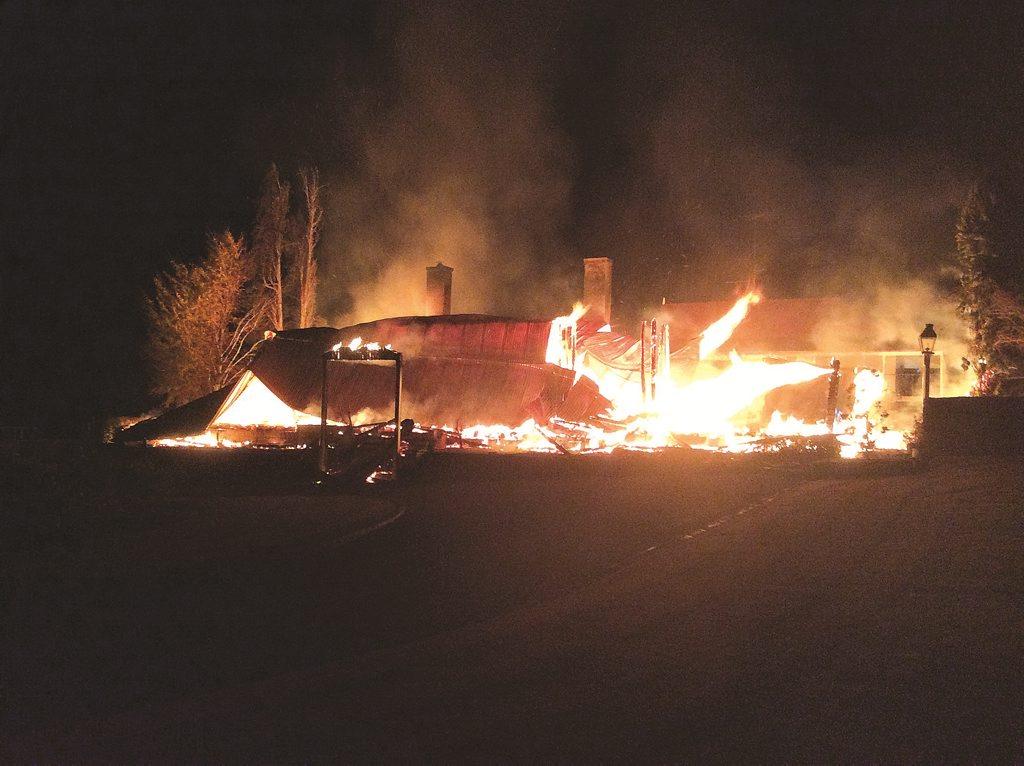 Glenlyon homestead ablaze on Friday night 10-06.