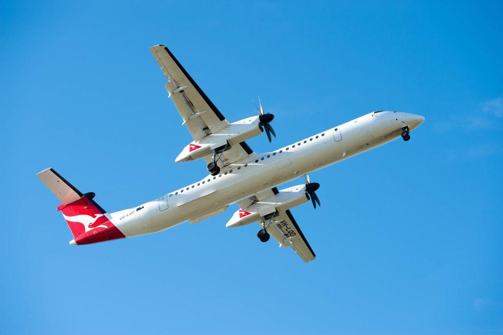 qantas flight Coffs harbour.qantas bombardier q400. 09 June 2016.