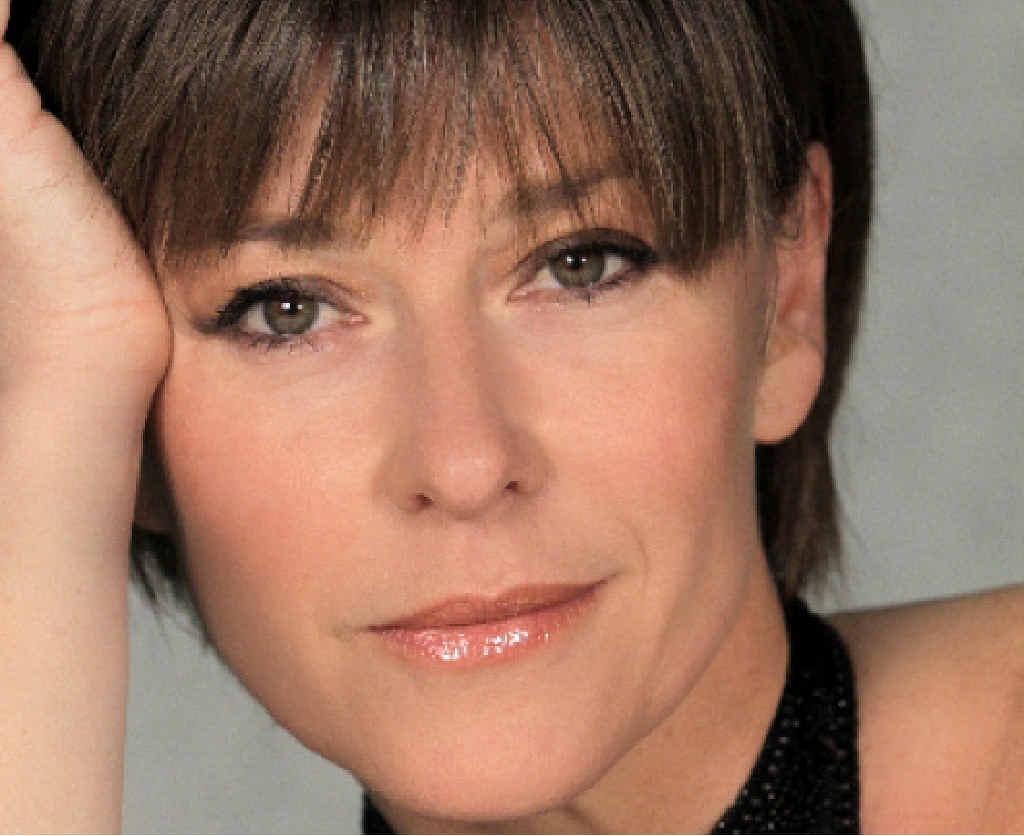 POP DIVA: Nikki Bennett will play Australia's own queen of pop, Helen Reddy, in I am Woman.