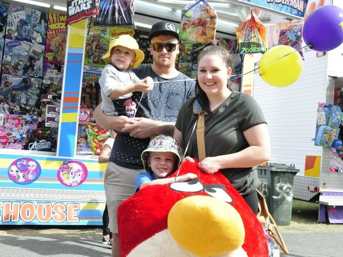 Chris Wyvill and Hayley Elliott with Lucas Wyvill, 4, and Kalen Wyvill, 2, enjoy the Rockhampton Show. Photo Michelle Gately / Morning Bulletin