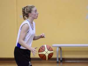 B-grade basketball semi-finals