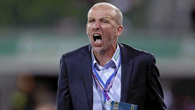 NEW DEAL: Perth Glory coach Kenny Lowe shouts instructions to his side.