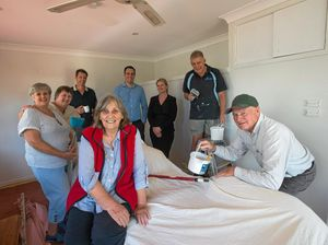 Community rallies together for home reno