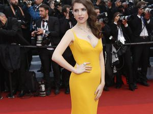Anna Kendrick asked two men to expose their genitals