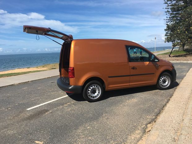 shacking up with vw s caddy van road test and review. Black Bedroom Furniture Sets. Home Design Ideas