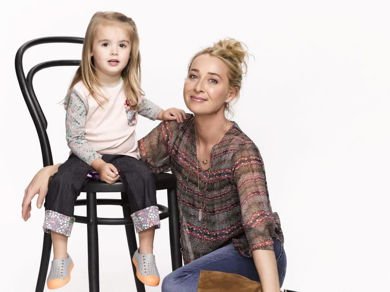 Isabella Monaghan and Asher Keddie star in the TV series Offspring.