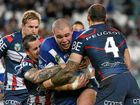 AGGRESSIVE FORCE: Bulldogs forward David Klemmer (centre).