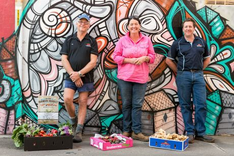 Growers and producers ready to show at the Flats Farmers Market, Bill Schouten from Hestron, Tina McPherson from Tinaberries and Anthony Rehbein from Bunda Ginga.
