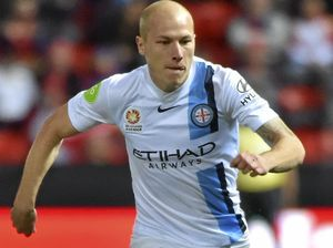 Mooy signs with Manchester City