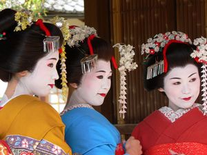 TRAVEL: Colourful women brighten Japanese scenery
