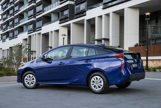 TOYOTA PRIUS: Proving car companies can still pump out the uglies...