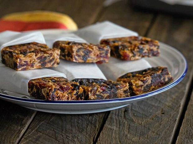 Have fun making these delicious granola bars.