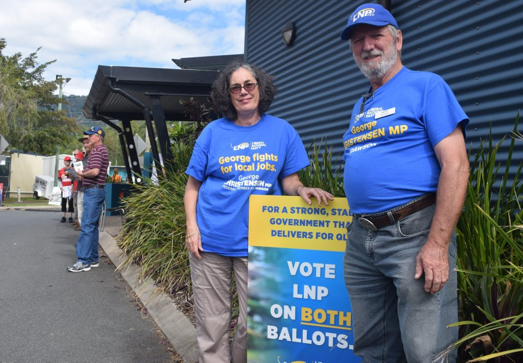 SUPPORT: Merweyn and Stan Wright outside the PCYC in Airlie on Saturday morning. Photo Inge Hansen / Whitsunday Times.