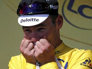 Missile fires home to take yellow jersey