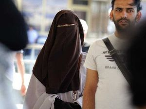 Swiss introduces fines for Islamic face coverings
