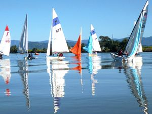 Sailors navigate tough start