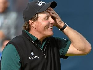 Mickelson denied spot in history but still leads the Fab Four