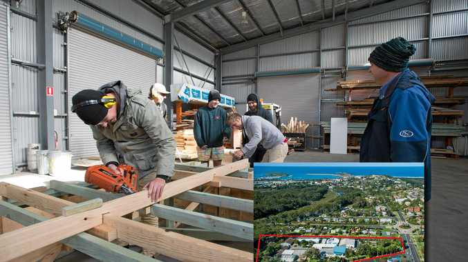 2nd year tafe carpentry class at Glenreagh Street campus..14  july  2016.