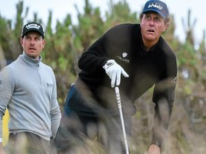 Two-horse race ahead for British Open